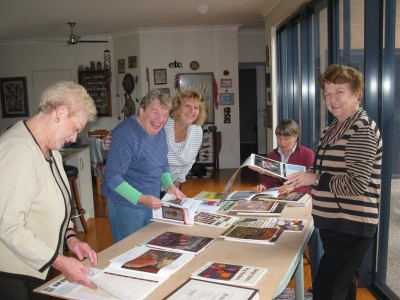 Pat, Judy, Michelle, Peggy and Phyl...finding their artistic muse!