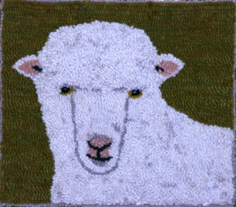 Designed_&_hooked_by_Maggie_Whyte_ACT_Australia_sheep