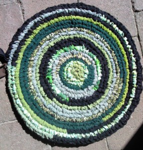 Bea's toothbrush rug started during Jo's demo